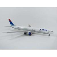 B767-432ER Delta Airlines